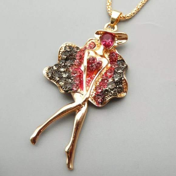 Boutique Jewelry - NWT MARILYN MONROE FIGURE NECKLACE
